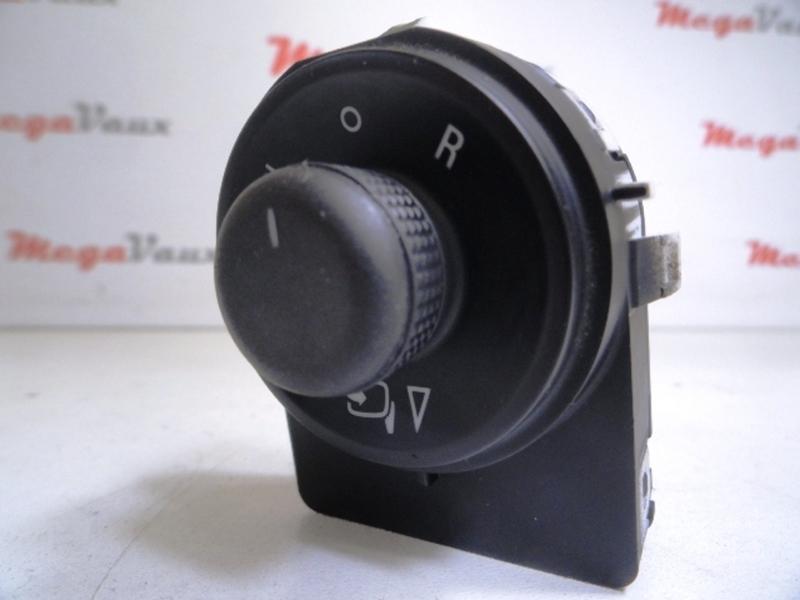 Astra J 2010-ON RH Electric Door Mirror Switch ident EL