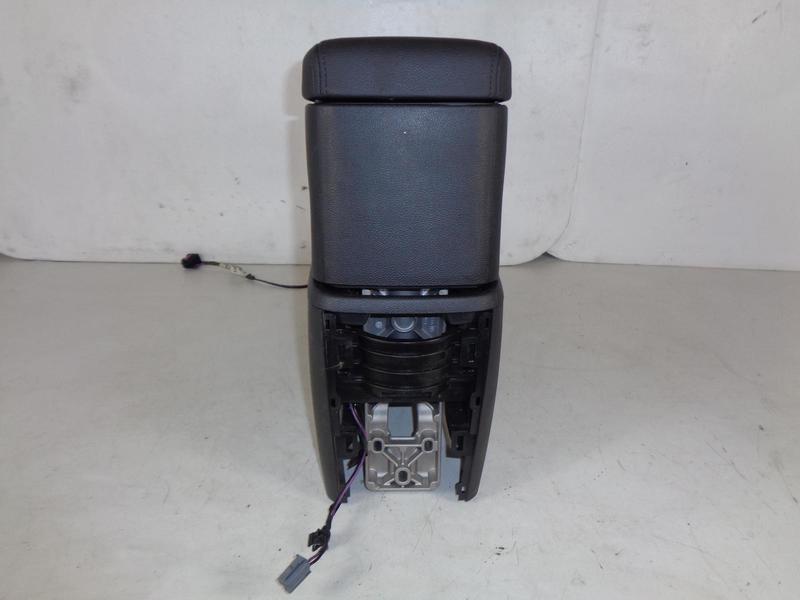 Zafira C Tourer Armrest Black with Centre Console 13357559