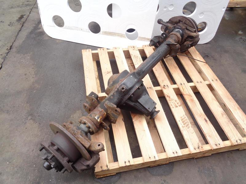 Land Rover Discovery 1 1998 25TDi Front Axle Non Abs, Disc Brakes