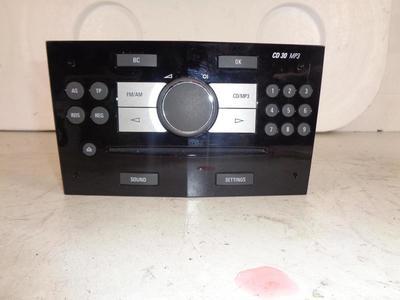 CD30 MP3 Piano Black ident AW/HY/AH Astra H / Zafira B