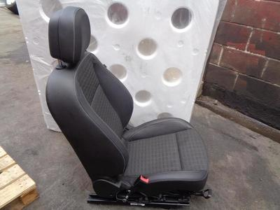 Astra J GTC 2010-ON 3dr Hatch Passenger Front Half Leather Seat TAHL